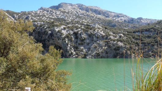 Plötsligt dök det upp en sjö bland bergen...