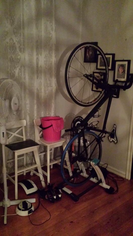 Min lilla paincave i vardagsrummet - allt som krävs för en stunds smärta och lidande